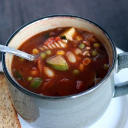 Quick and Easy Vegetable Minestrone Soup