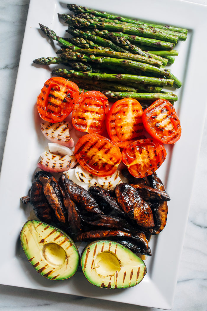 Grilled Vegetable Summer Salad- marinated and grilled portobello caps give this salad a delicious meaty texture that even carnivores will love! (plant-based, gluten-free)