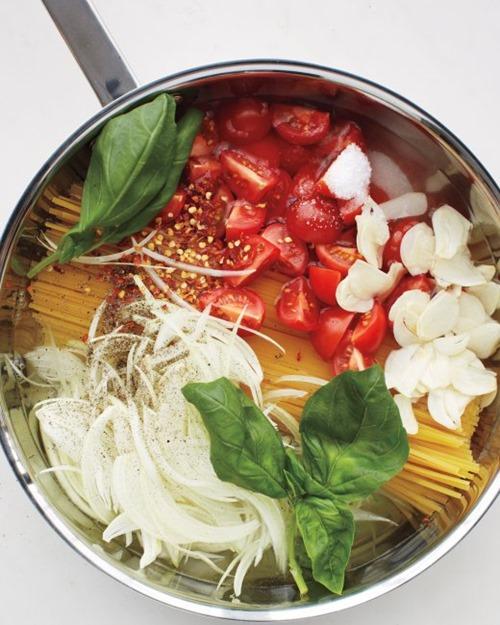 msl-kitchen-spaghetti-0131-md110059_vert