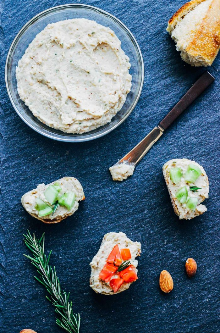White Bean Almond and Rosemary Dip- just 5 ingredients to make an elegant dip that's perfect for entertaining. (vegan + gluten-free)