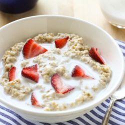 Strawberries-n-Cream-Steel-Cut-Oatmeal-vegan-.jpg