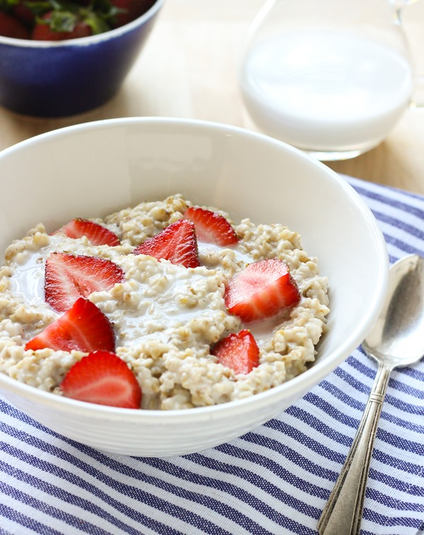Strawberries 'n' Cream Steel Cut Oatmeal by Making Thyme For Health