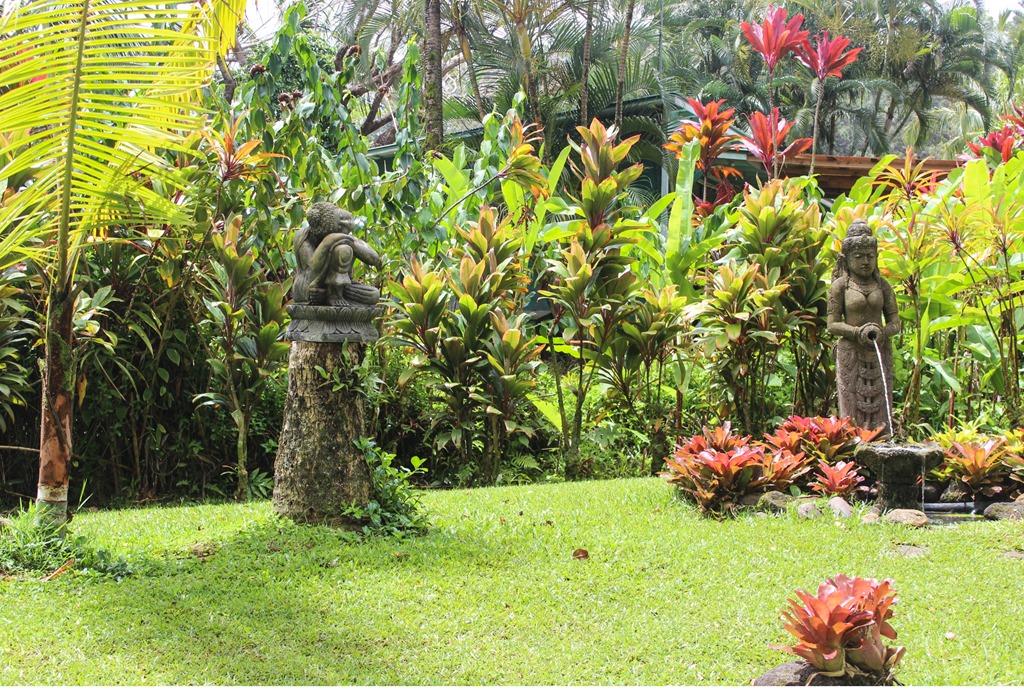 East Maui: Road to Hana - Making Thyme for Health