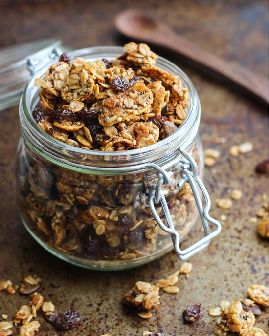 Superseed-Cinnamon-Raisin-Granola-_thumb.jpg