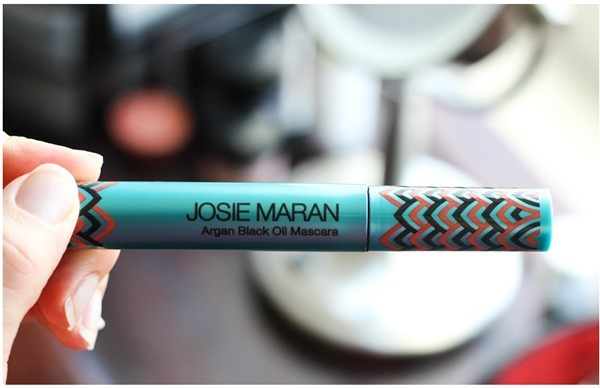 Josie-Maran-Argan-Black-Oil-Mascara_.jpg