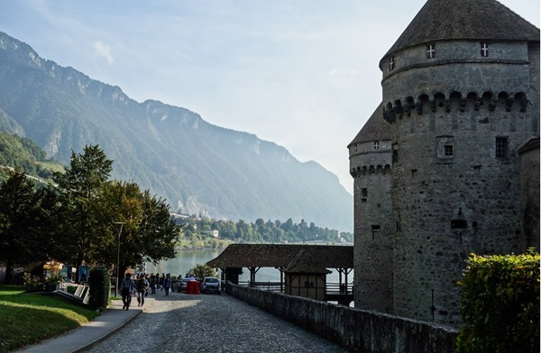 Montreux-_thumb16.jpg