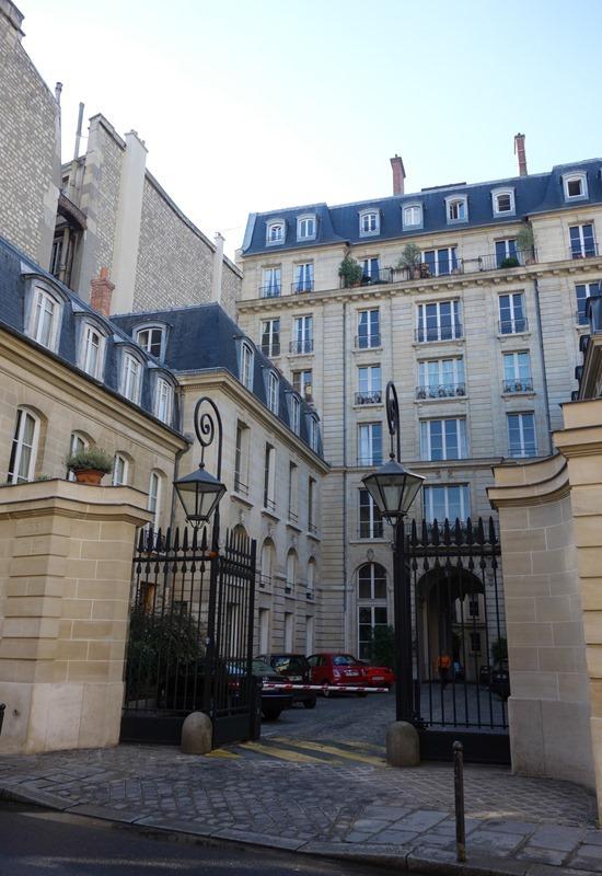 Saint-Germain-des-Pres_thumb7_thumb.jpg