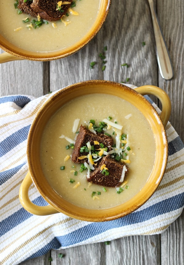 Cauliflower Potato and Leek Soup- all you need is 8ingredients to make this comforting soup. So rich and creamy, no one would ever guess it'sdairy-free!