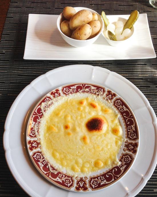 Swiss-Raclette-Hotel-Gloria_thumb.jpg