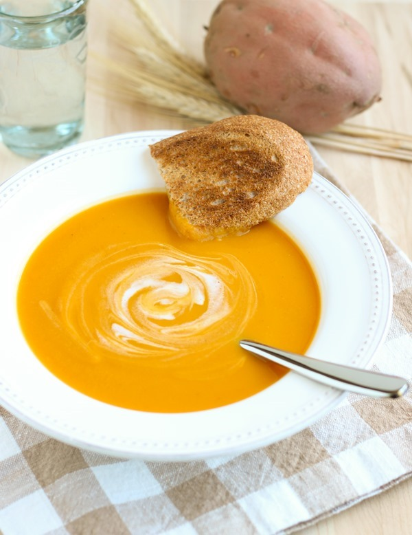 Curried Butternut-Squash-and-Sweet-Potato-Soup #paleo #vegan #glutenfree