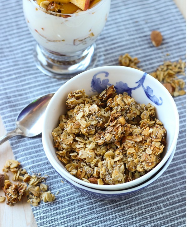 Honey Almond Chia Granola #cleaneating #glutenfree