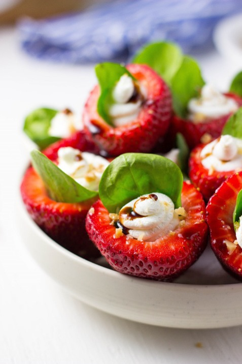 Goat-Cheese-Spinach-Stuffed-Strawberries-with-Candied-Walnuts-Balsamic-Glaze-29152