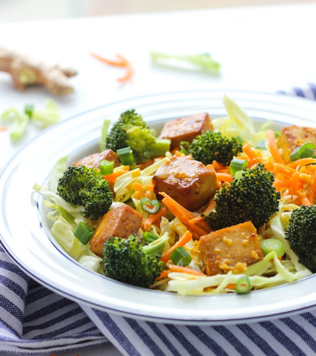 Baked Broccoli Tofu Bowls with Orange Ginger Dressing #grainfree #vegan #cleaneating