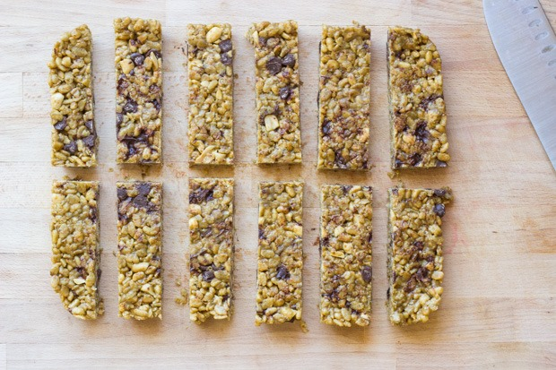 5 Ingredient No-Bake Protein Bars | less than 10 minutes to make, gluten-free, oil-free, and refined sugar-free!