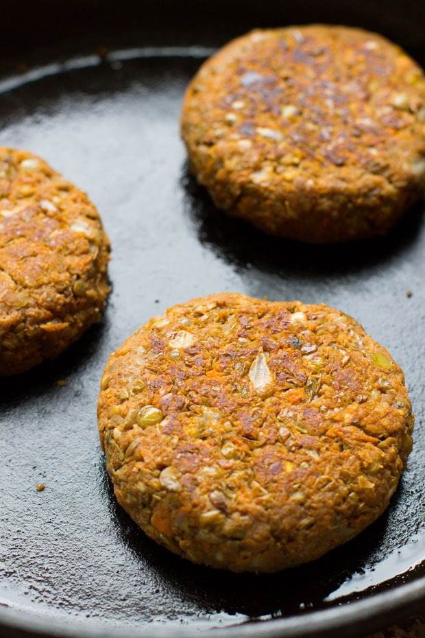 BBQ Lentil Sweet Potato Burgers- a healthy and flavorful vegetarian ...