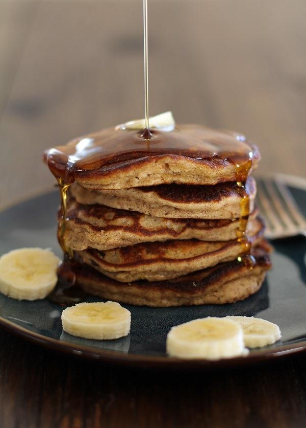 Banana-Bread-Pancakes-1