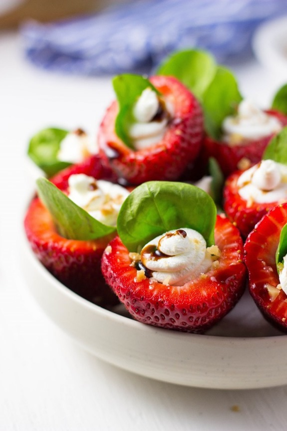Goat-Cheese-Spinach-Stuffed-Strawberries-with-Candied-Walnuts-Balsamic-Glaze-29152-682x1024_thum.jpg