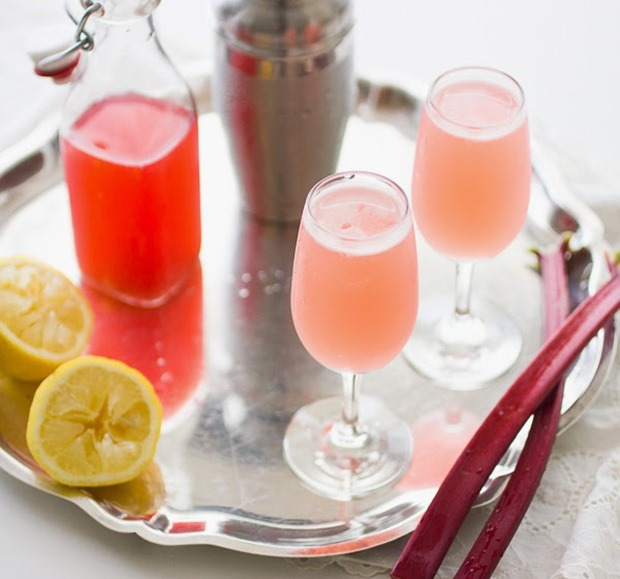 Ginger Rhubarb Bees Knees Cocktail | bojongourmet.com