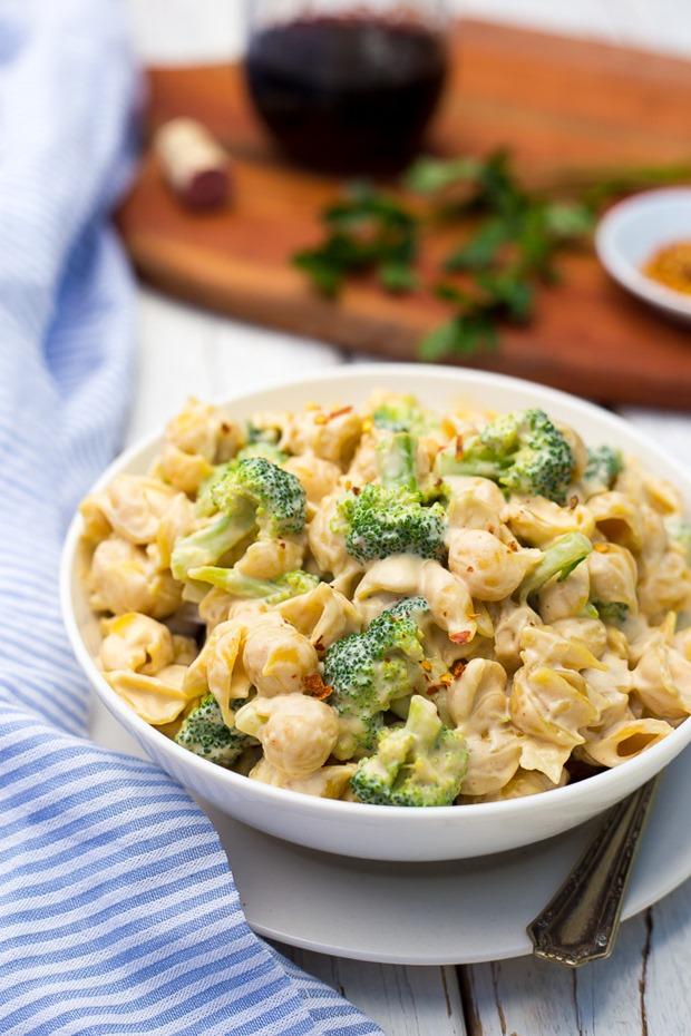 Cashew-Alfredo-Pasta-with-Broccoli-8847-683x1024_thumb.jpg