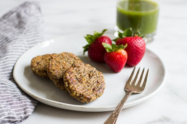 Chickpea Hemp Seed Sausages- super healthy meatless sausages that taste just like the real thing! #vegan #glutenfree