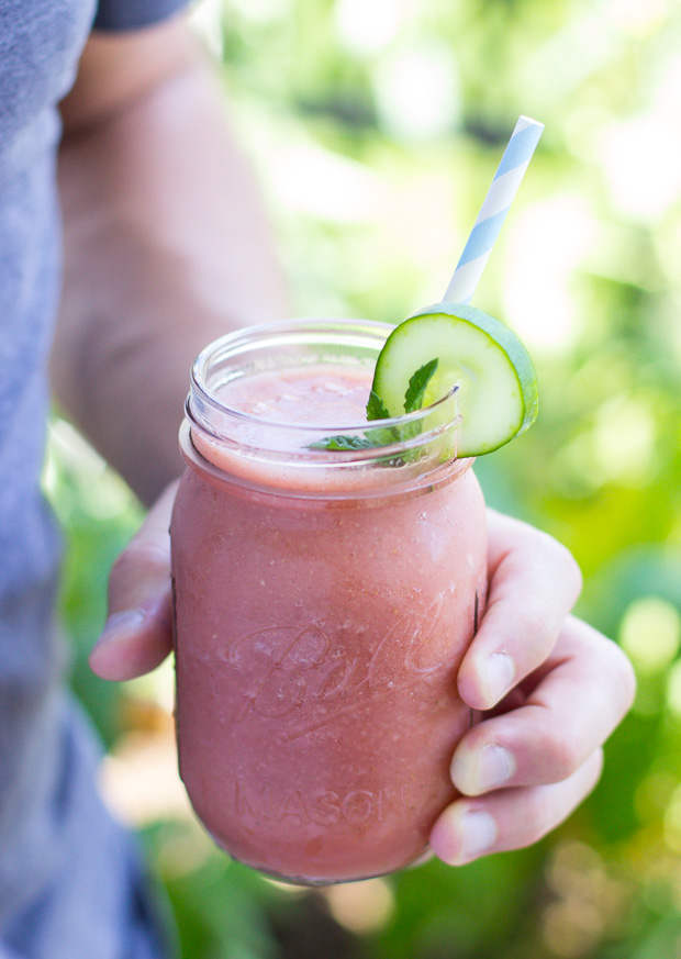 Skin Refreshing Watermelon Smoothie- a delicious combination of anti-inflammatory ingredients to cool you from the inside out! #detox #cleaneating