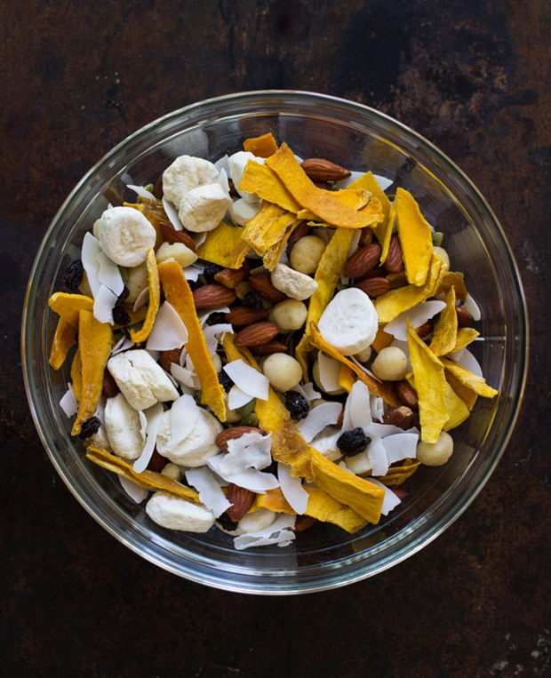 Tropical Trail Mix- made with dried mango, coconut, bananas, macadamia nuts and lightly salted almonds! #grainfree #glutenfree