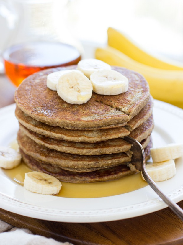 Banana Oatmeal Pancakes- light, fluffy and naturally sweet! Made super easy in a blender too! #glutenfree #dairyfree #cleaneating