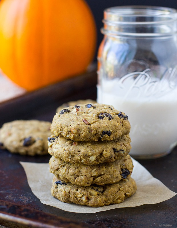 Pumpkin Breakfast Cookies- soft, chewy and packed with pumpkin spice flavor! {gluten-free and vegan}