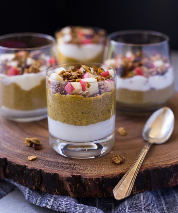 Pumpkin Chia Pudding Parfaits- a healthy option for breakfast that tastes just like pumpkin pie! #vegan #glutenfree