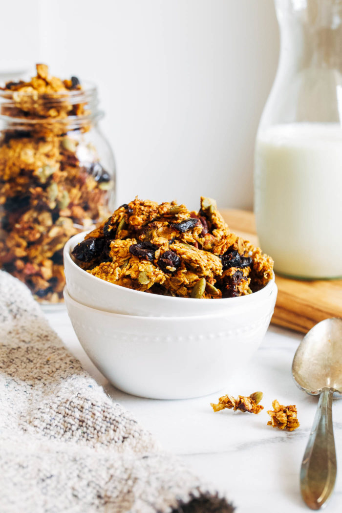 Pumpkin Spice Granola- easy to whip up and packed with pumpkin flavor, this granola will have your entire home smelling like fall! (vegan, gluten-free)