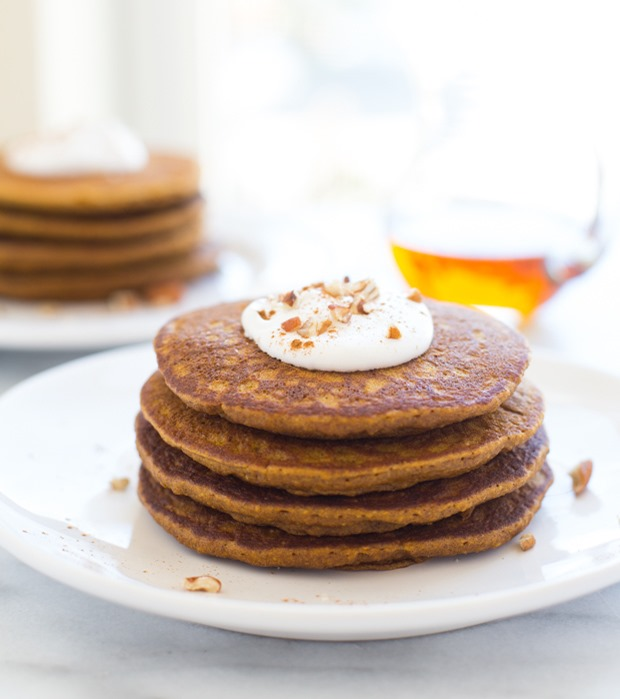 Gluten-free Pumpkin Pie Pancakes- tastes AMAZING and are made with healthy ingredients that will keep you full for hours!