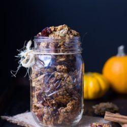 Pumpkin-Spice-Granola-17_thumb.jpg