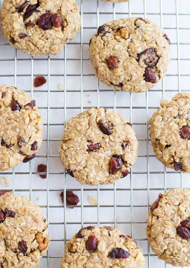Cranberry Coconut Oatmeal Cookies- thick, chewy and made with a touch of lemon zest! (vegan, gluten-free and refined sugar-free)