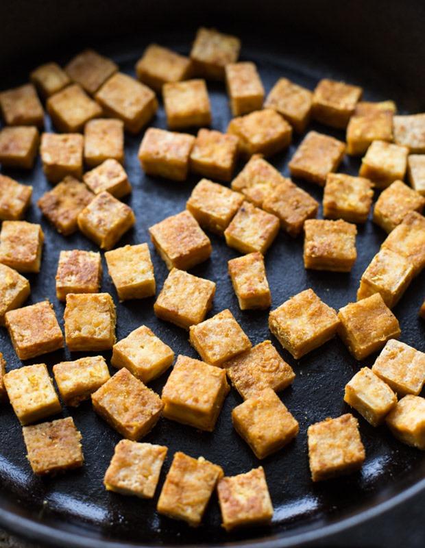 Vegan-Tofu-Noodle-Soup-6_thumb.jpg