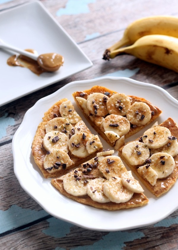 Peanut Butter Banana Breakfast Pizza