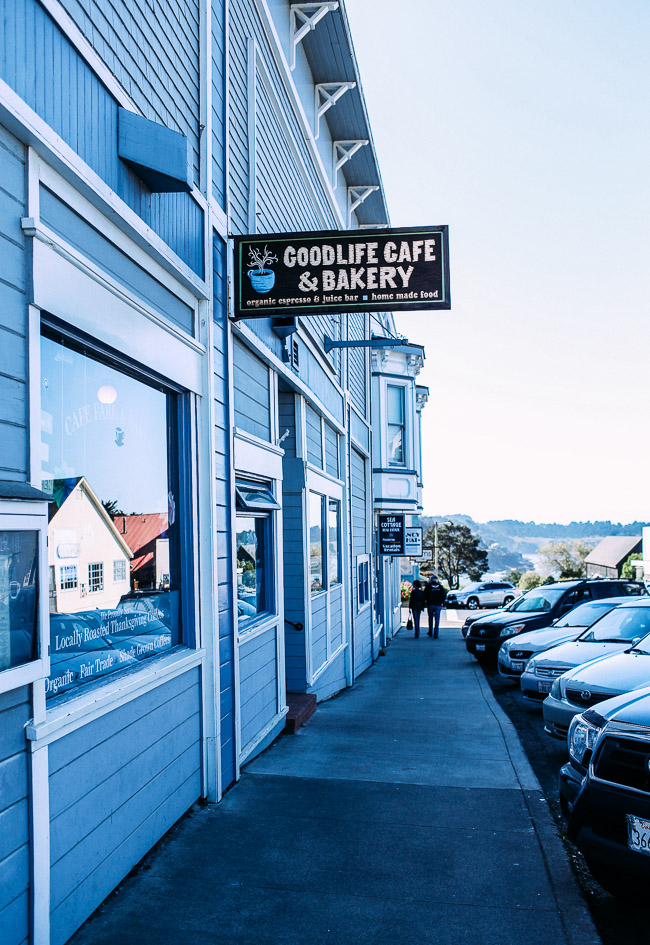 Road Trip from California to Oregon: where to eat, sleep and play | Mendocino #travel