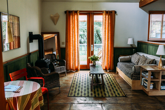 The Boonville Hotel in Anderson Valley | A charming roadhouse hotel with organic linens and farm-to-table cuisine. The perfect base for wine tasting in Northern California! (travel guide)