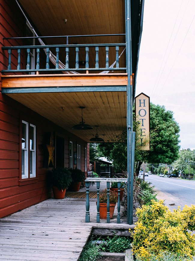 The Boonville Hotel in Anderson Valley | A charming roadhouse hotel with organic linens and farm-to-table cuisine. The perfect base for wine tasting in Northern California!