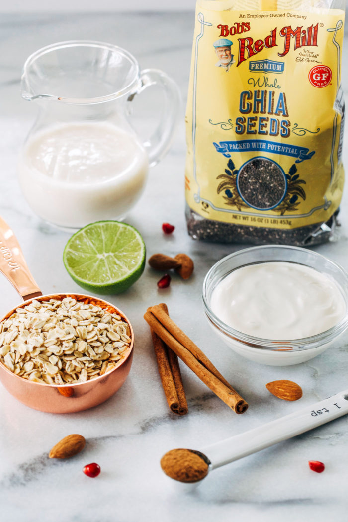 Horchata Chia Overnight Oats- a quick and healthy breakfast infused with flavors of the Horchata drink. Just 7 ingredients + 5 minutes to make! (vegan + gluten-free)