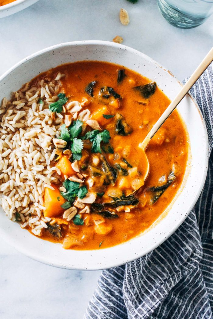 One-Pot African Peanut Stew- a warm and comforting meal that's super easy to make. Vegan and gluten-free with oil-free option!