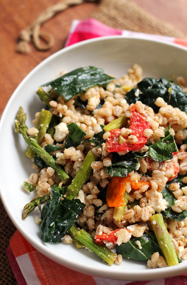 Farro Salad with Honey-Roasted Garlic Tomatoes, Asparagus, and Kale from Eats Well With Others