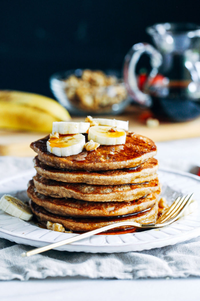 Vegan Banana Nut Blender Pancakes- a quick and simple recipe for banana pancakes that are naturally gluten-free and oil-free. 10 grams of plant protein per serving!