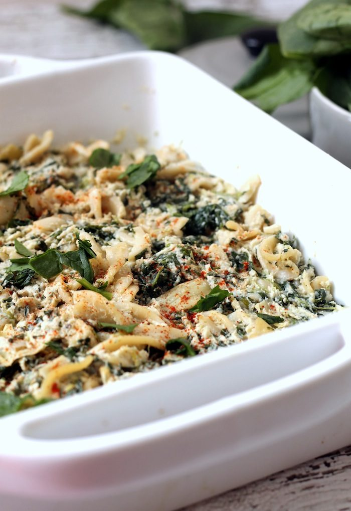 Vegan Spinach and Artichoke Pasta from Hummusapien