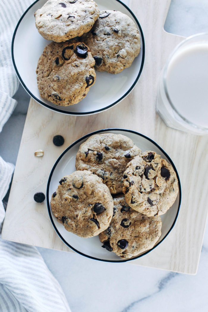 Oatmeal Raisin Chocolate Chip Cookies- made with oat flour and rolled oats, these oil-free cookies have a crisp exterior with a chewy center. (vegan, gluten-free & + refined sugar-free)