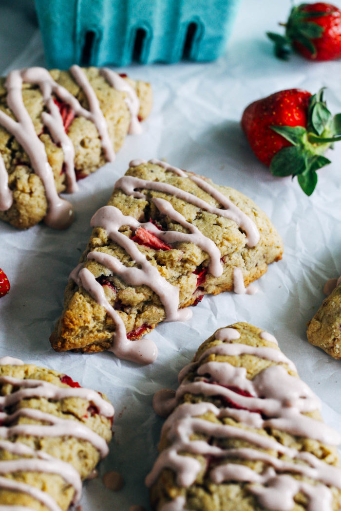 Fresh Strawberry Scones with Strawberry Cashew Cream- naturally sweetened and whole grain, these scones are as nutritious as they are delicious. (vegan + gluten-free)