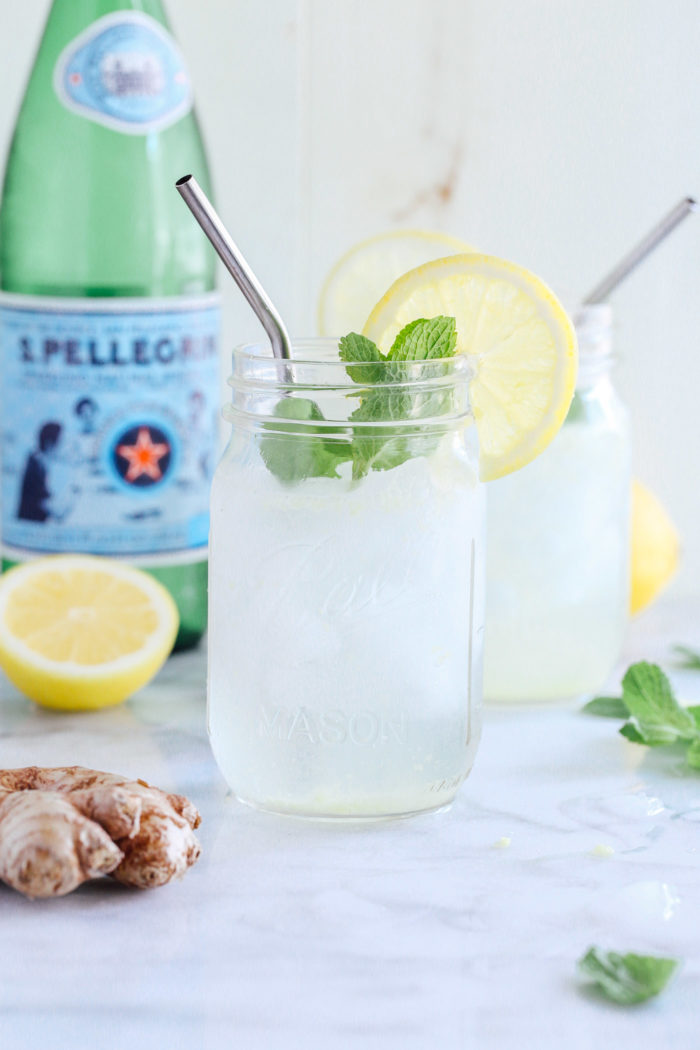 Lemon Ginger Spritzers with Fresh Mint- made with ginger simple syrup and fresh lemon juice, these sparkling drinks are super refreshing and healthy too!