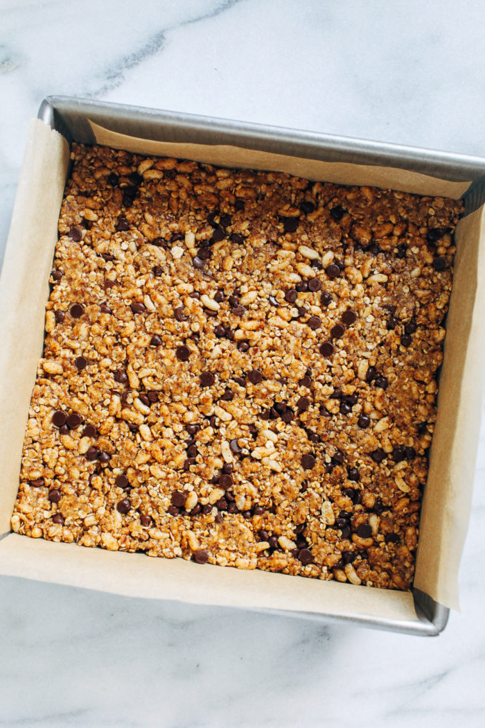 No-Bake Lactation Granola Bars- made with nourishing ingredients like oatmeal, ground flax seed, almond butter and brewers yeast, these granola bars are a delicious way for mamas to help boost their milk supply! (gluten-free w/ vegan option)
