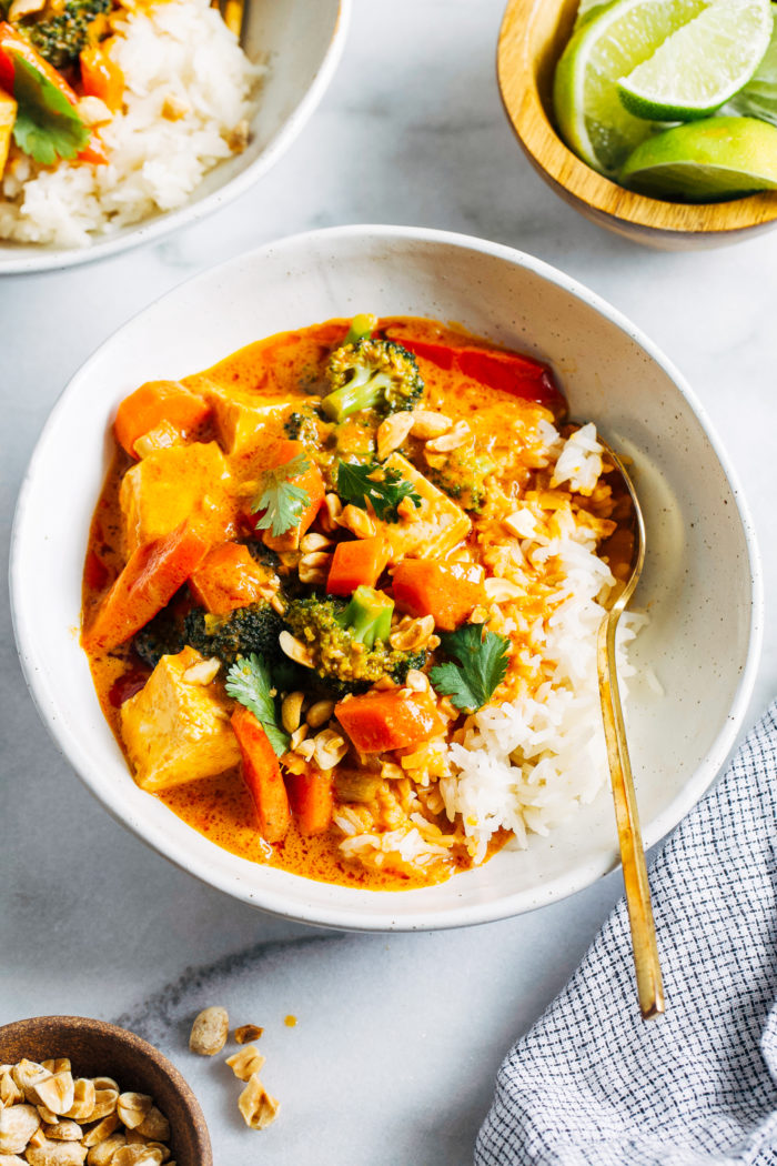 Vegan Thai Peanut Curry- made in just one pot, this flavorful peanut curry is a super comforting vegan and gluten-free meal that everyone will love!