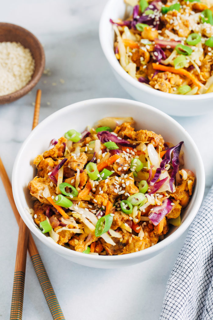 Vegan Tempeh Egg Roll Bowls- Made with mostly pantry ingredients, this easy and nutritious meal comes together in just 20 minutes! (gluten-free)