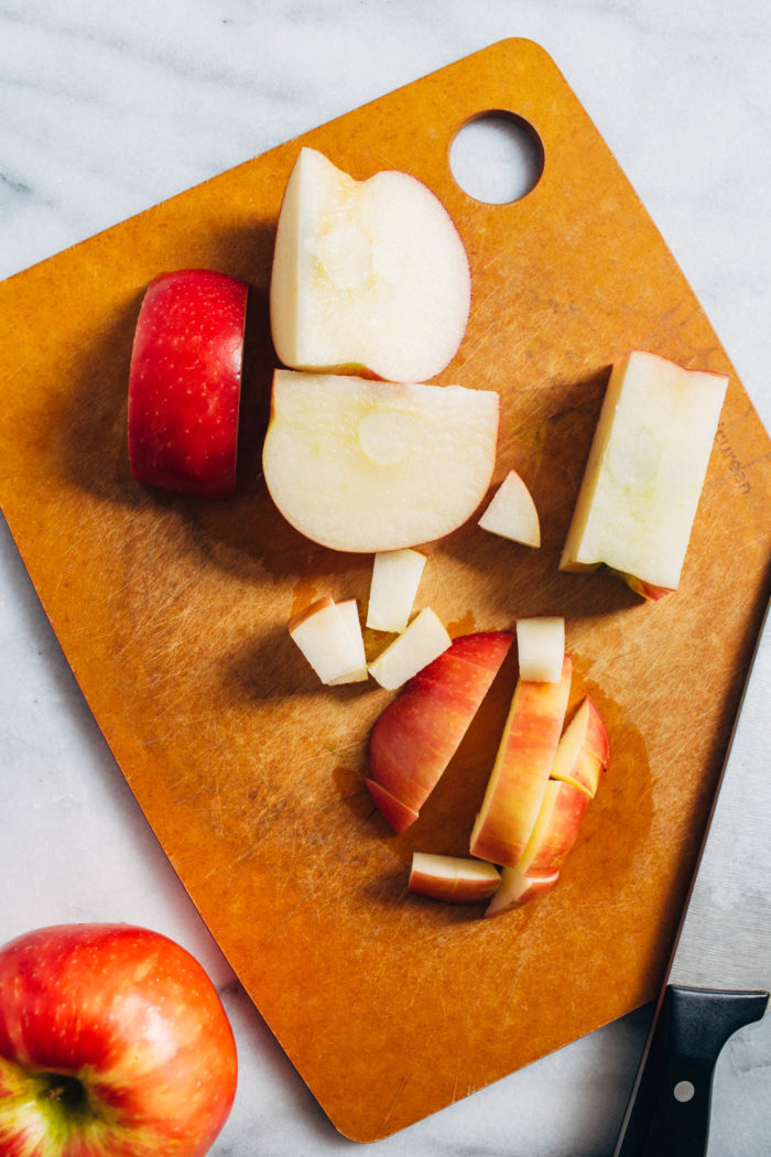 Easy Stovetop Cinnamon Apples- made with just 6 ingredients and in one skillet, these apples are the perfect topping for all of your breakfast favorites! (plant-based, gluten-free)